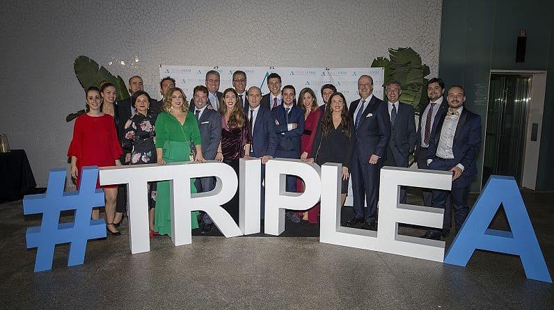 Décimo aniversario de la Triple A - Foto familia