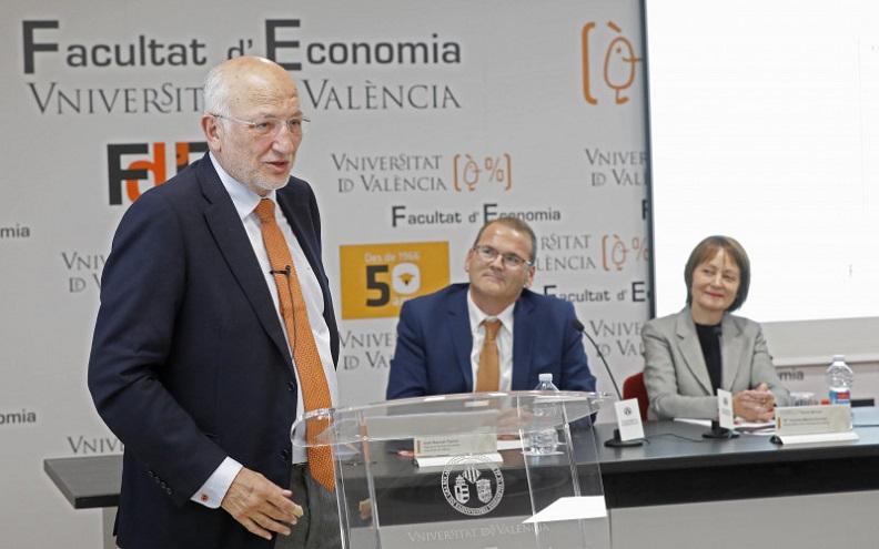Juan Roig en la Universitat de València