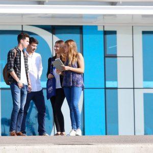 La experiencia de tres alumnos de grado de EDEM con Beca Fundación
